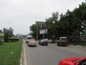40 лет Победы напротив №54 (институт культуры)