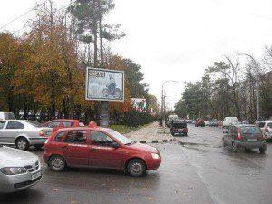 Советов, в районе д. № 12 (четная сторона) и Чайковского